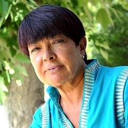 Margarita Uria Etxebarria